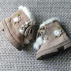 Oshkosh genuine kids vintage NWOB boots Size 2